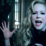Avril Lavigne – Let Me Go ft. Chad Kroeger