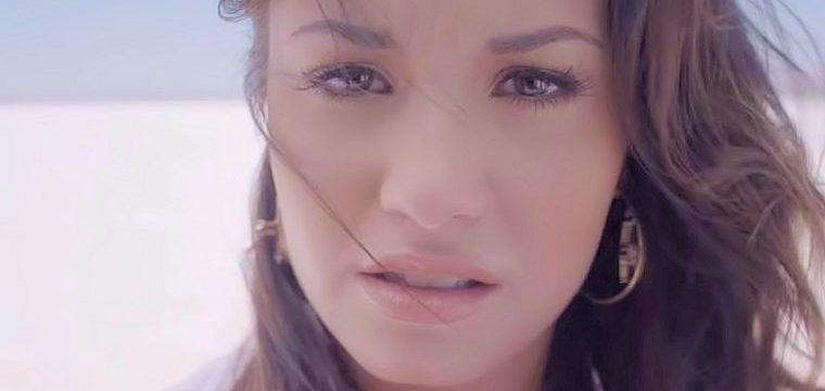 Demi Lovato – Skyscraper